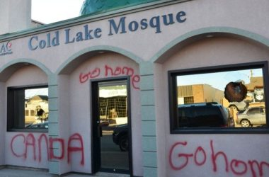 Non-Muslims help clean up vandalised mosque in Canada
