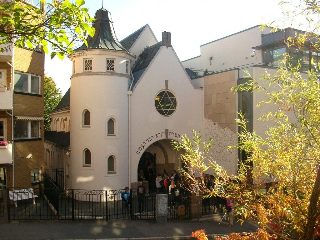Muslims in Norway to form a 'Peace Ring' to defend Jewish synagogue