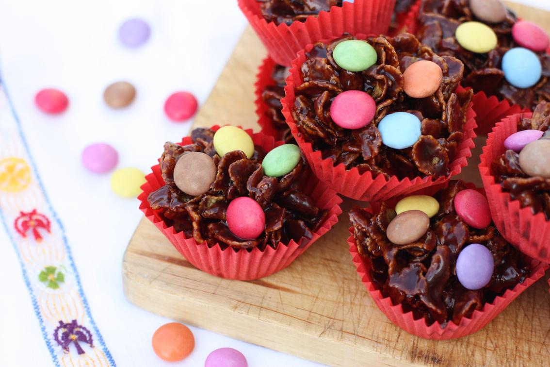 Source: http://marmaladeandme.com/wp-content/uploads/2015/01/Chocolate-Cornflake-Cakes-cover.jpg