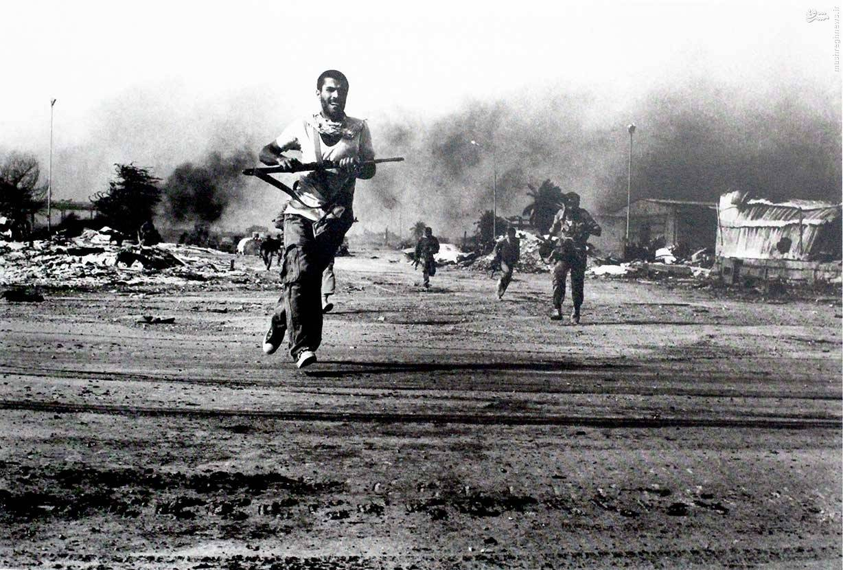 Civilians fighting the Iraqi invasion