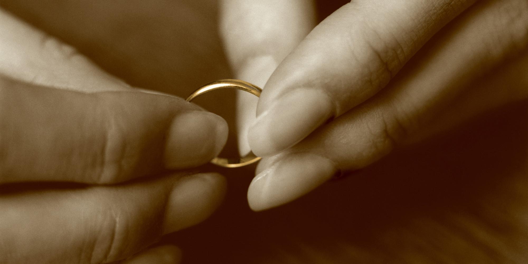 кольцо обручальное снять приворот