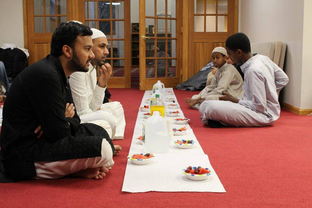 The UK government teams up with mosques to produce healthy eating guide