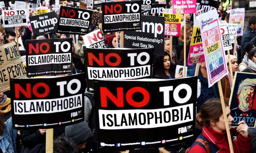 Parliamentarians celebrate launch of report exploring and defining Islamophobia